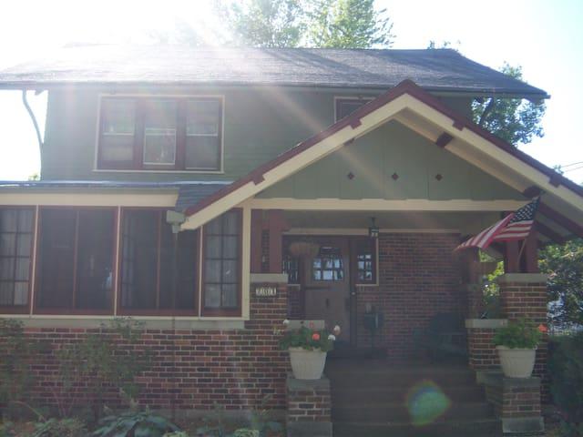 Hartford Historic Home - 10min from Erin Hills - Hartford - Hus