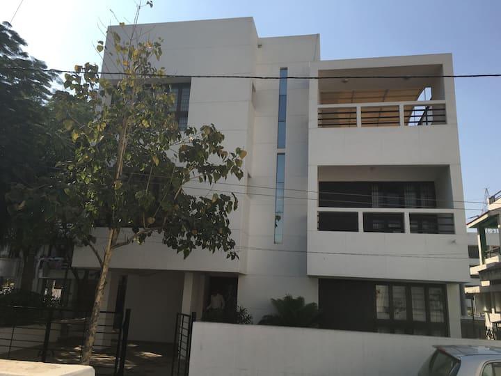 Fully furnished 6 bedroom villa
