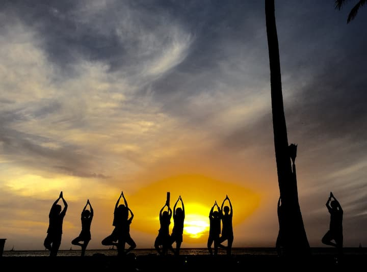 beach yoga community
