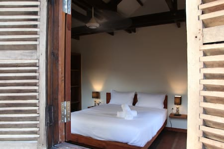 Cambodian luxury Wooden BnB 2 - Krong Siem Reap