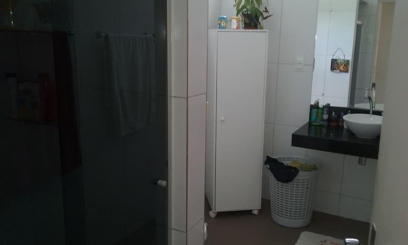 banheiro social agua quente