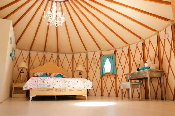 Kensington Palace@ Avalon Steppes Luxury Glamping
