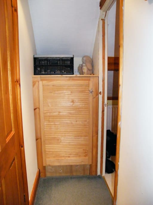 personal storage / hanging space