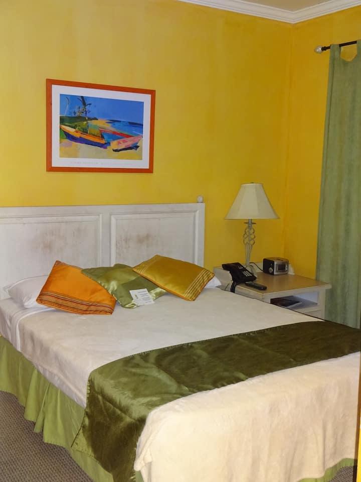 Cozy Double Room in Cascade, near the Savannah