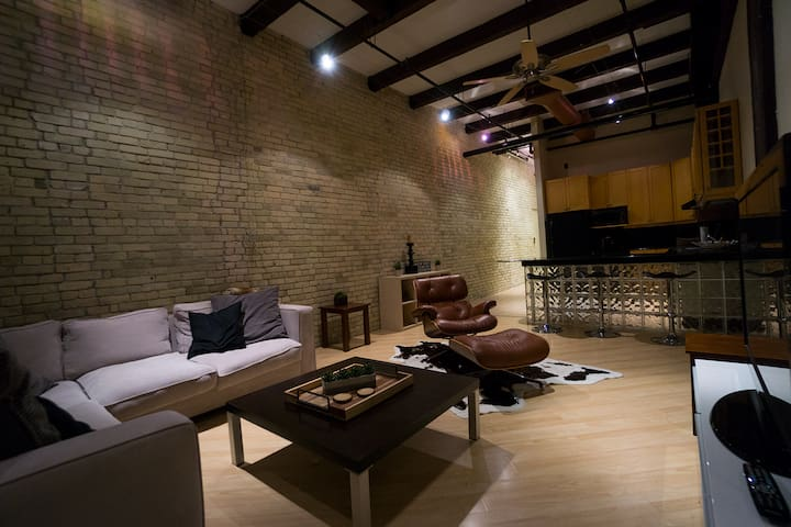 Exchange district loft - Winnipeg