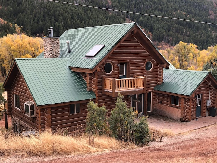 Spacious Cabin nestled in the Uintah Mountains