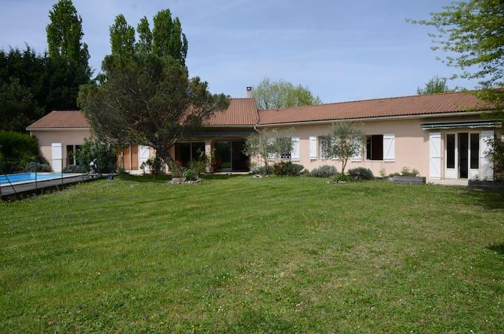 Maison proche Pyrénées et à 20 mn de Marciac