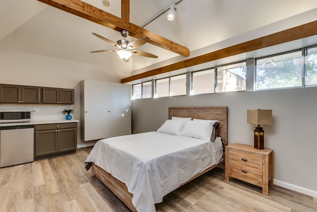 Brand New interior and furniture with Casper Mattress and Bedding!
