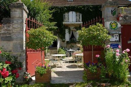 """Maison d'hôtes """"Les Mésanges"""" - Messanges - Bed & Breakfast"""