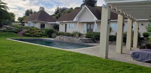 Quincho, privat pool och bubbelpool. Cachagua