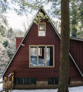 Creekside modernist A-Frame in the Catskills - East Meredith - 一軒家