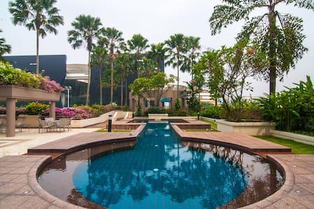 Live in the City Centre - Singapore - Condominium