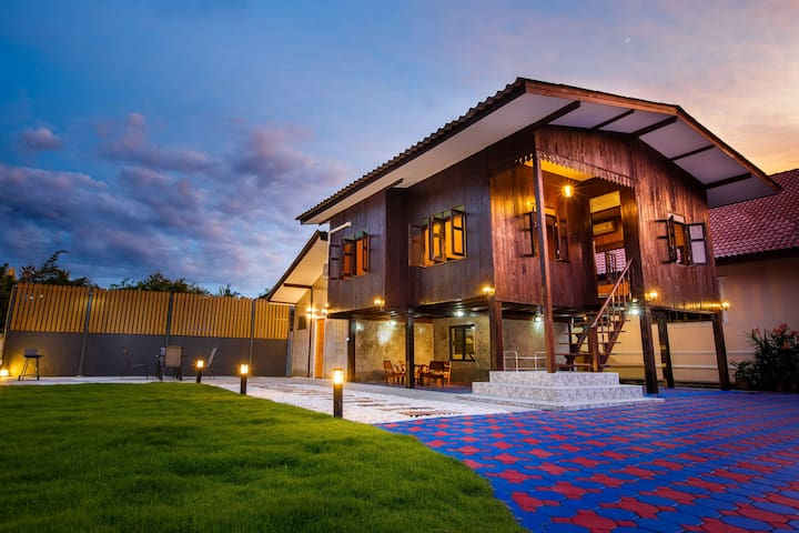 Premier Homestay Villa Lanna - Chiang Mai - Rumah