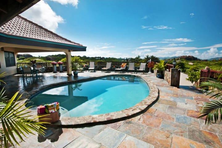 Mon Repos Villa (24750)