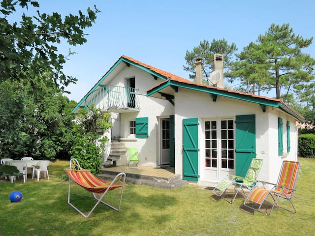 Holiday home in Montalivet for 5 persons