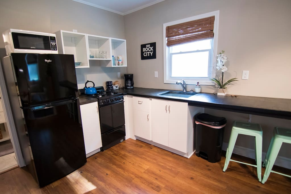 Spacious Kitchen Area/Breakfast Bar