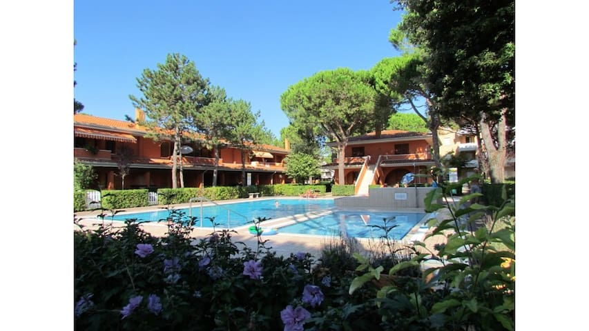 Trilocale in residence con piscina e balcone