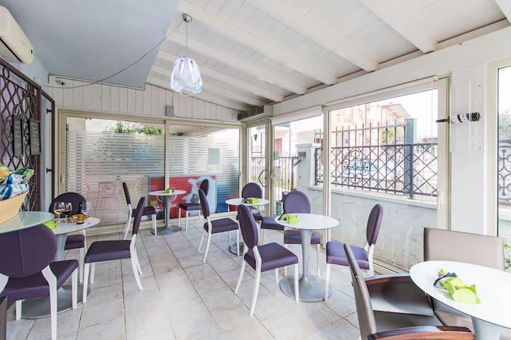 Olive Garden & Petite Maison - Posada - Bed & Breakfast