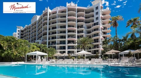 Chilled Boutique apartment near Beach Cafes Tram