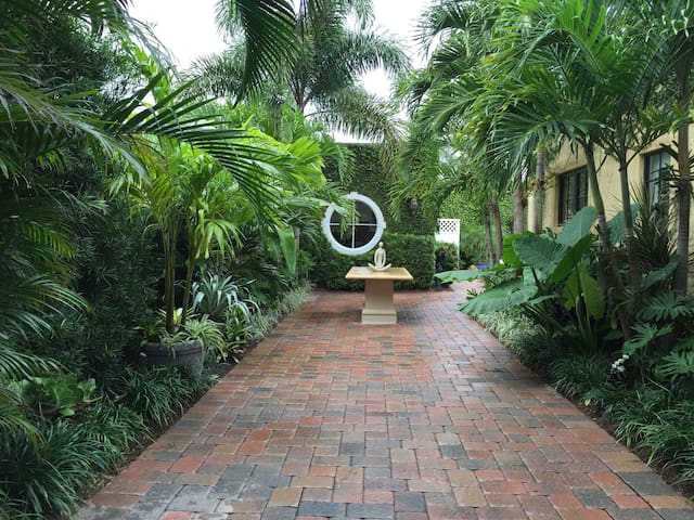 Tropical Cabana with Pool - West Palm Beach - Bungalow