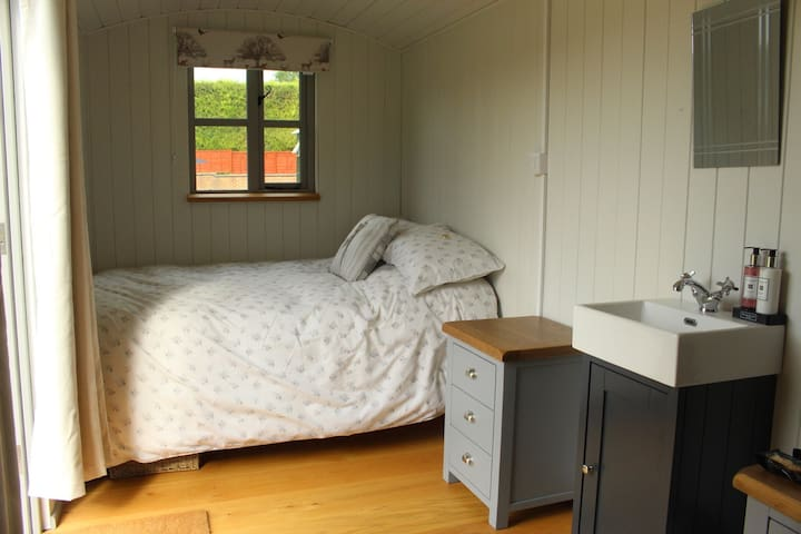 An example of your similar bed set up (this is The Rustic Hut)