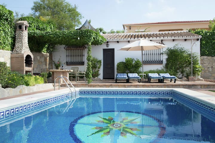 Country Villa in Andalusia with swimming pool and garden with views