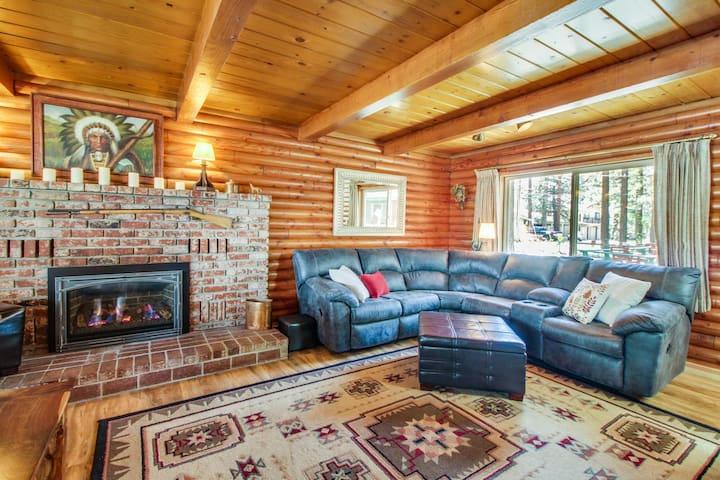 Log cabin w/ private hot tub & rustic charm! Walk to beach!