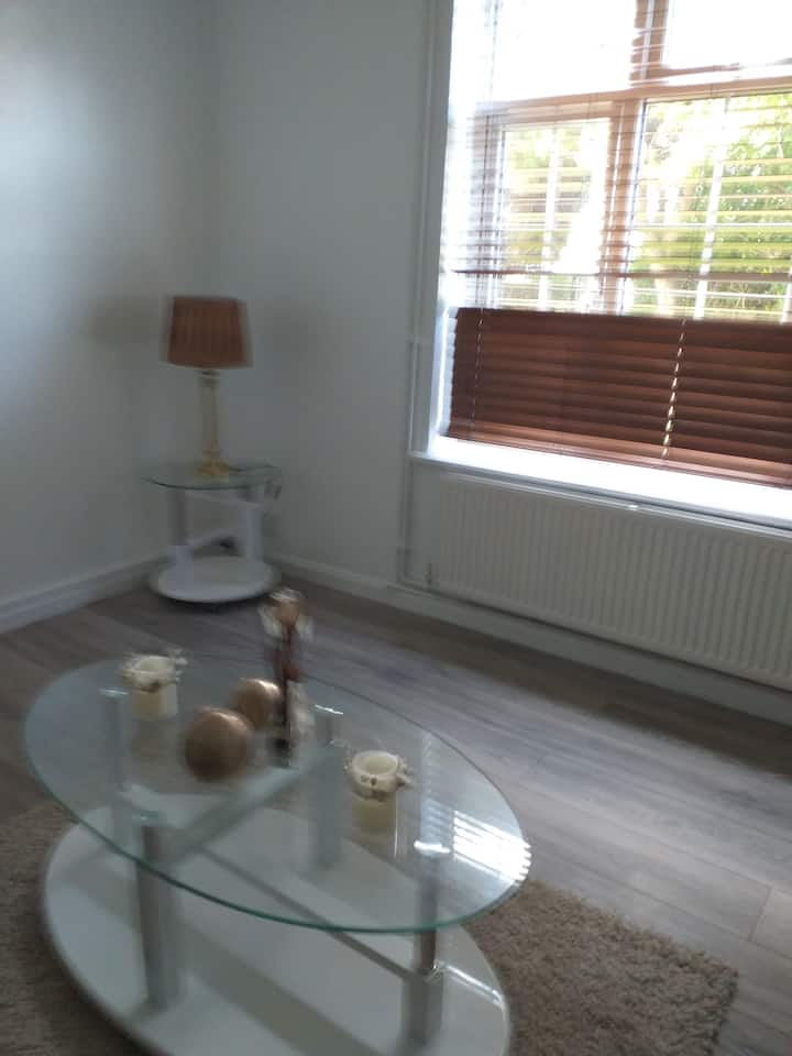 Cottage house with large garden. Double room