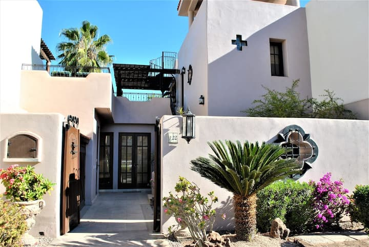 Cozy Villa 2BR + Steps to the Beach with Kayaks & Bicycles @Loreto Bay !