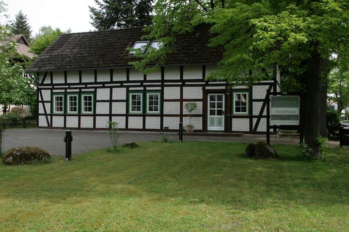 Schmetjens Hof - Gästehaus auf dem Land - Burgwedel - Apartamento