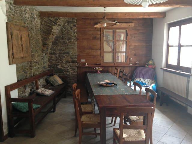 Un angolo di pace a Rore, Valle Varaita - Sampeyre - Rumah