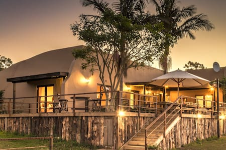 Howberry Hills Guest Lodge - The Sunbird Room