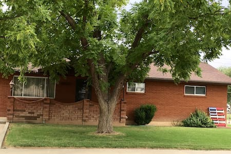 Spacious home in Green River, UT: Close to Moab!