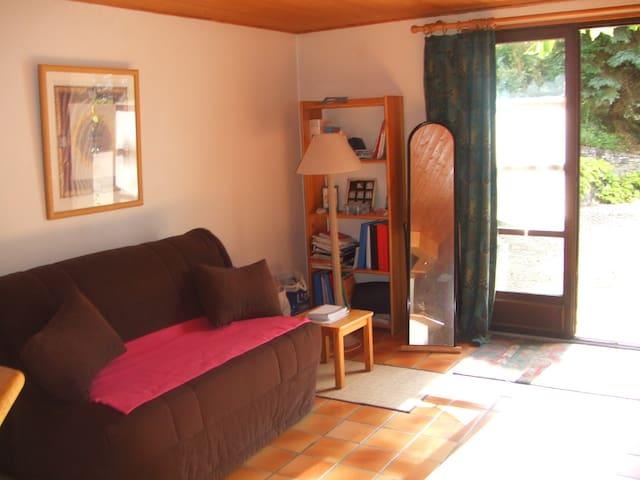 studio meublé au calme - Ayze - Pis