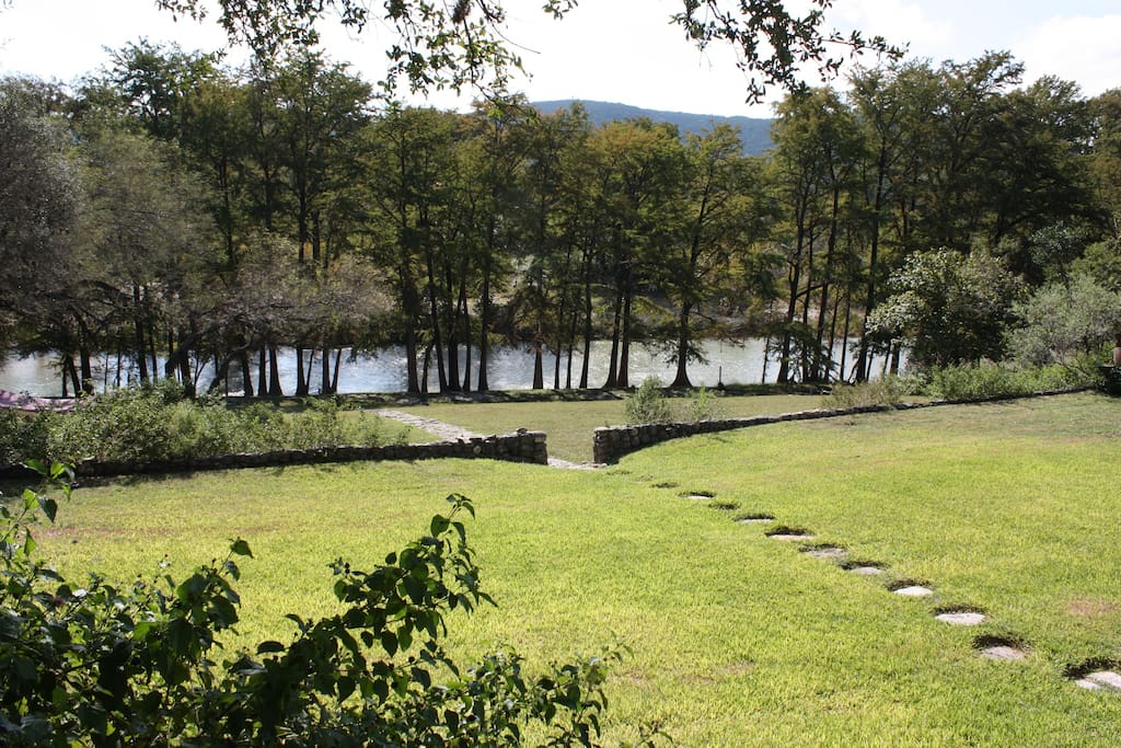 rio frio jewish single women River bluff cabins: wonderful trip - see 121 traveler reviews, 150 candid photos, and great deals for river bluff cabins at tripadvisor.