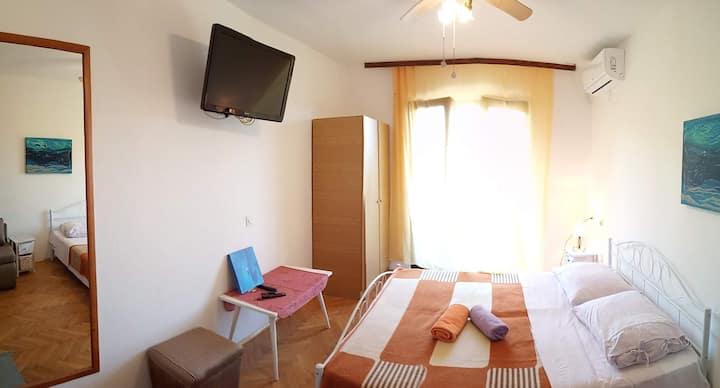 2 bedrooms, Sea view balcony, near Sea & Beach 4+2