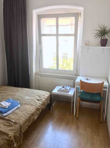 Small and convenient room in Neukölln