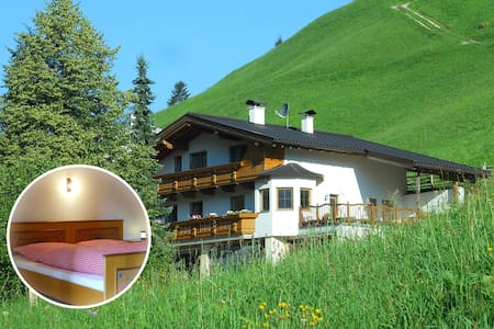 "Simple Living, Couple&Breakfast, Room ""Pasture"" - Finkenberg"
