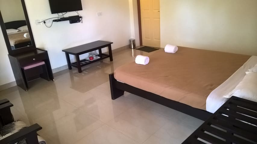 Nice, Clean comfortable spacies room - Kodagu