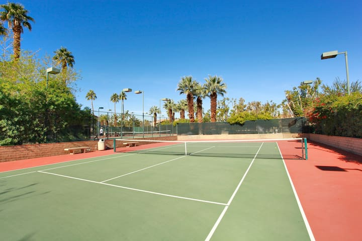 The Oasis Resort has 5 tennis courts