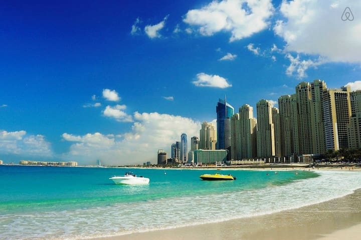 Resort Lifestyle by the Beach & JBR Walk | 2BR - Dubai - Leilighet