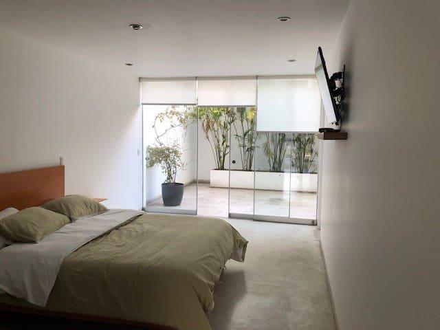 100 sqm w/ terrace in the heart of Barranco