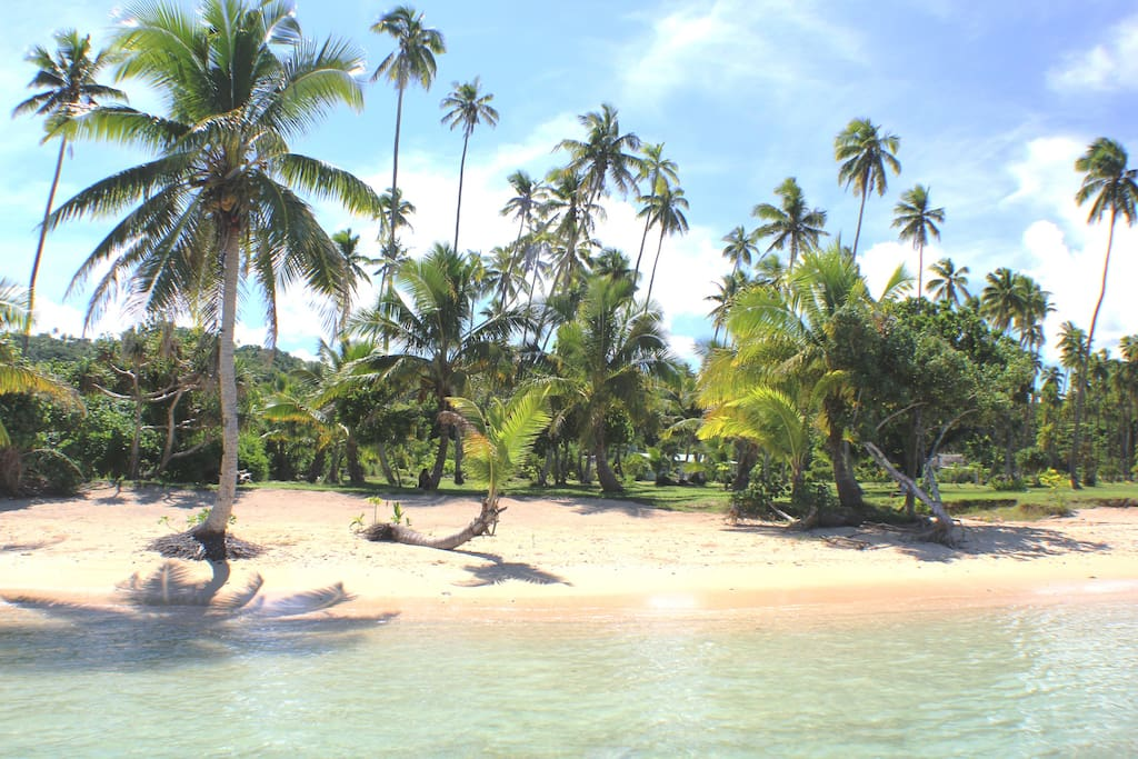 SigaSiga Beach at high tide