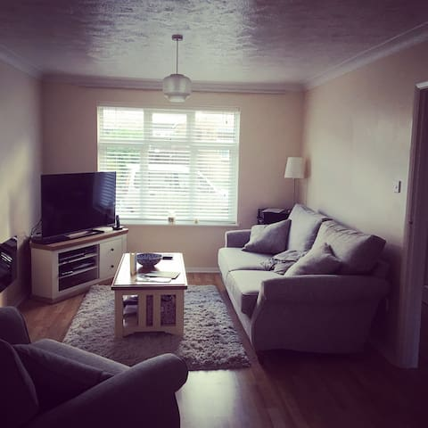 Bright, Spacious, Sunny Double Room - Worthing - House