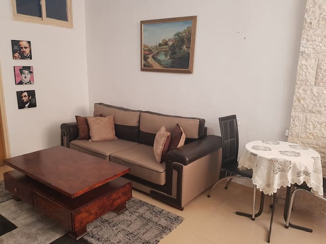 Private 1 bdr apt close to Shaarei Tzedek Hospital