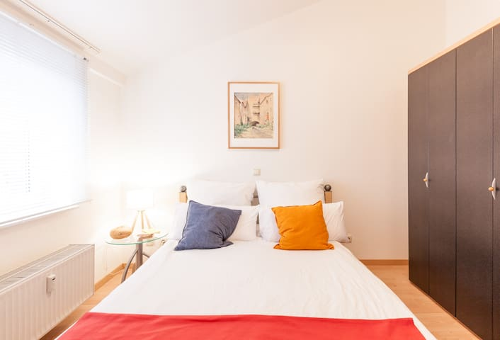 You'll enjoy a separate bedroom with a queen-size / double bed; a living room and kitchenette for relaxing, working and meals; bathroom and toilet; balcony; and garage if needed.