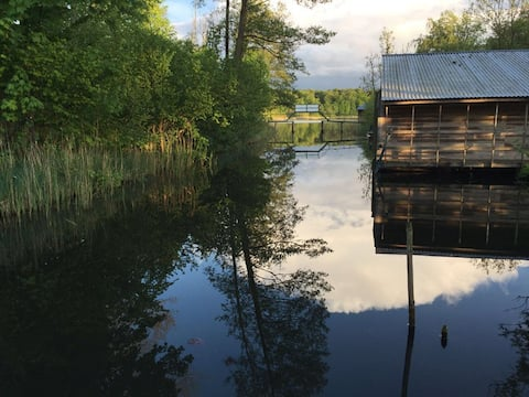 Matilda I-besondere Finnhütte mit Steg+Sauna