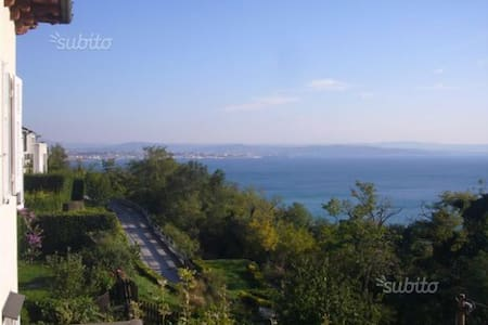 Camera riservata in Villa Liberty a Miramare - Grignano