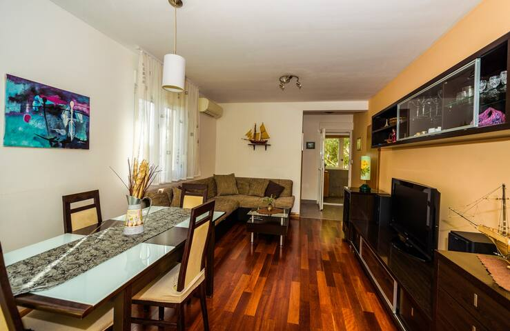 New and cosy apartment with garden. - Kaštel Lukšić - Wohnung