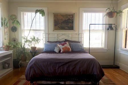 Bright, Eclectic Master Bed + Bath - Oklahoma City - Dom